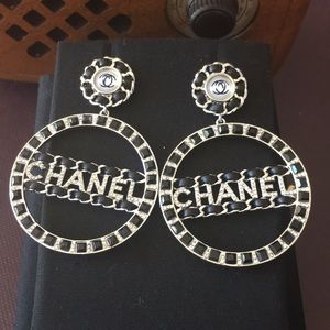 Chanel Silver Earrings Inlaid with Black Crystal